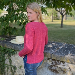 Raspberry fine V-neck alpaca sweater