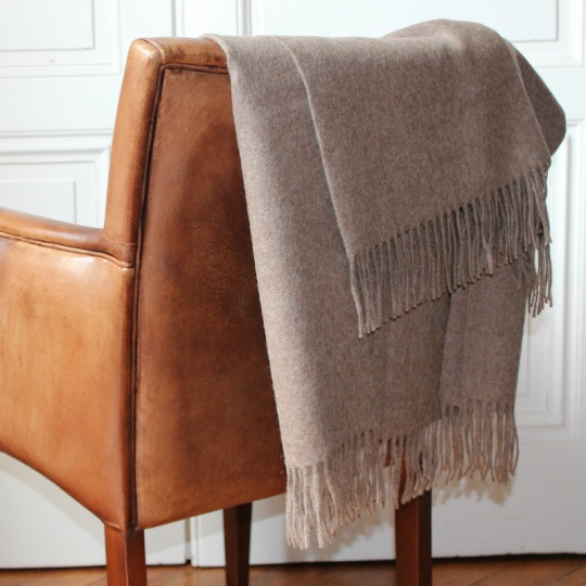 Chesnut alpaca throw